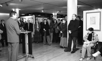 """Haus des Buches Leipzig, 2007. Dr. Wolfgang Tittel begrüßt die Gäste zur Ausstellung """"Reinhard Minkewitz – Radierung 1984–2007"""""""